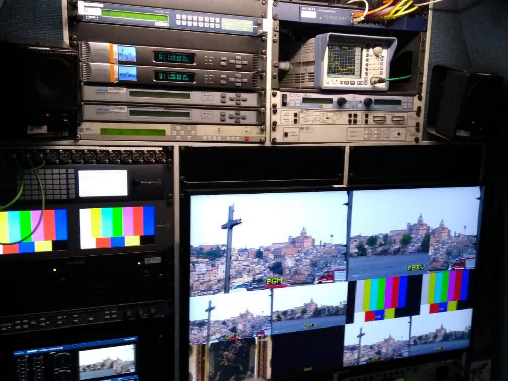 Papa Francesco Bergoglio Armerina TV2000 Videe